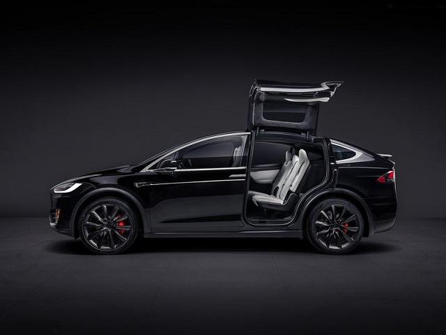Огляд Tesla Model X