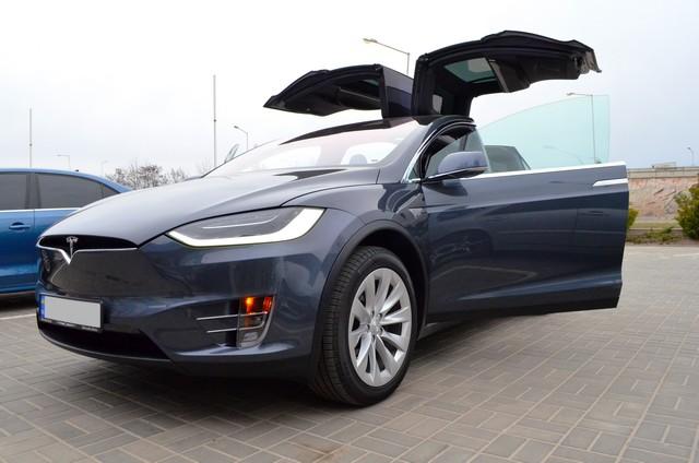 Tesla Model X90D 2016